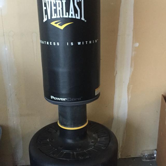 Everlast Core Freestanding Heavy Bag