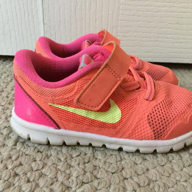 03e537cc63 Find more Toddler Girl's Nike Tennis Shoes Size 8 for sale at up to ...