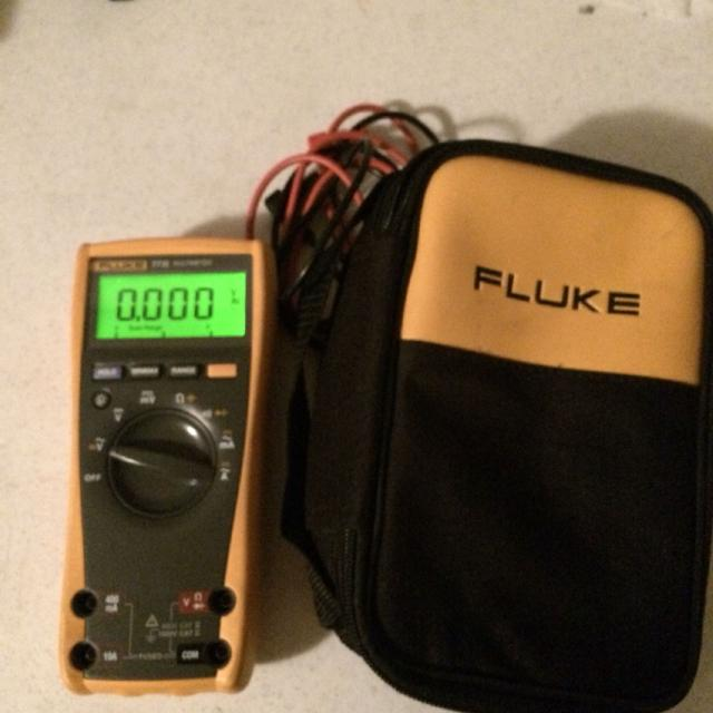 Fluke 77 IV multimeter