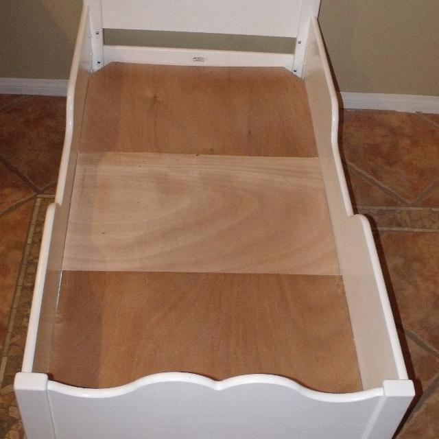 Little Colorado White Wood Toddler Bed