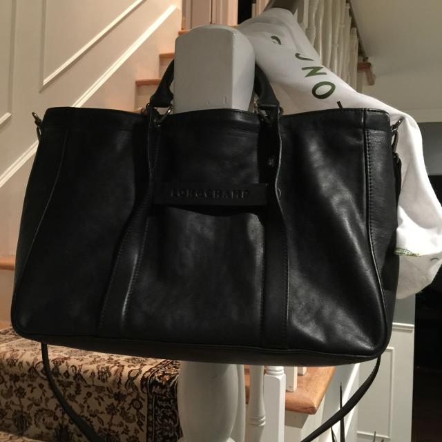 Find more Authentic Longchamp 3d Leather Tote. Barely Worn. Mint ... 55b72cc053