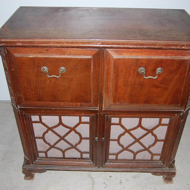 Antique Zenith Radio and Phonograph Console