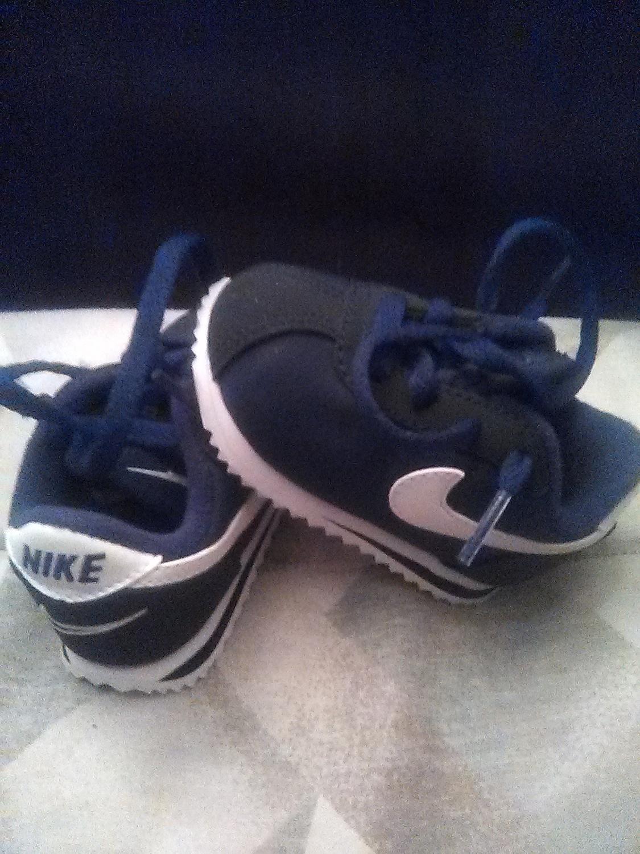 Old school baby Nike Cortez 07 size 3c