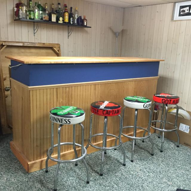 Find More 7ft X 2ft X 4ft Homemade Wood Bar With 4 Bar Stools