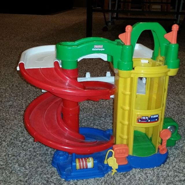 ff5d022f7b0f Best Fisher Price Little People Racin  Ramps Garage for sale in Colorado  Springs