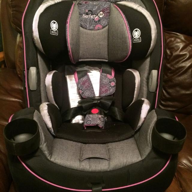 NEW Safety 1st Grow And Go 3 In 1 Convertible Car Seat Plumeria