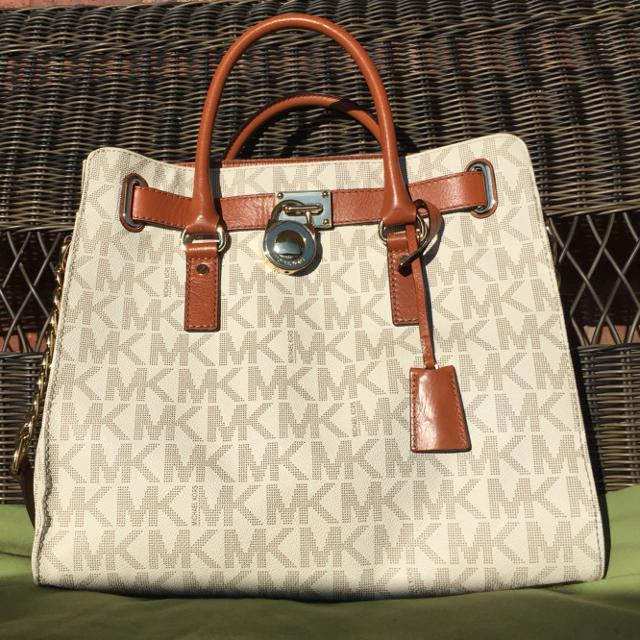 76a70f7ffd3f67 Best Michael Kors Large Signature Vanilla Hamilton. Comes With Dust Bag And  Original Tags. Reduced! for sale in Hendersonville, Tennessee for 2019