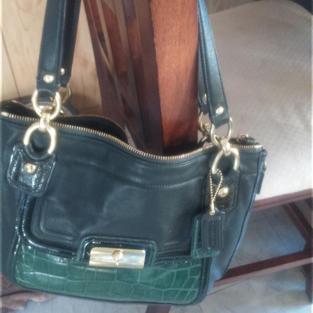 46b2af02750 Authentic Coach Kristin Spectator green leather zip north south tote bag.  final price drop!!