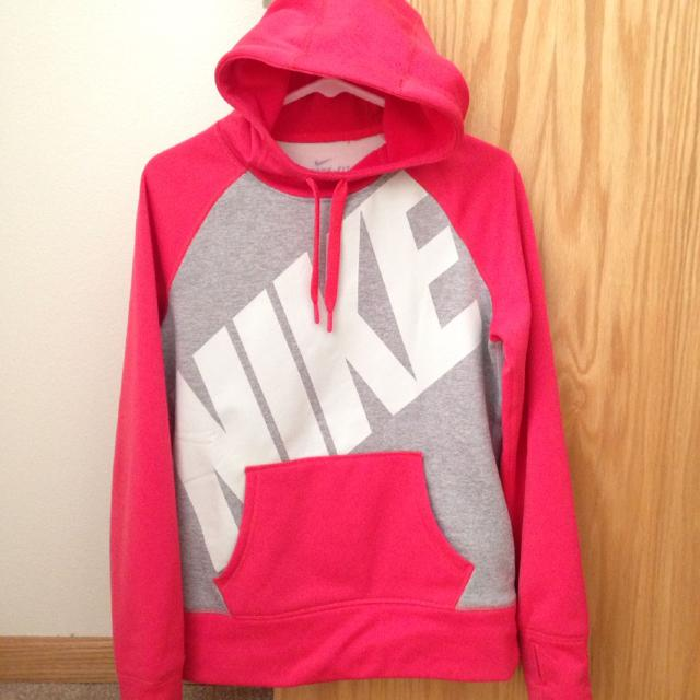 Find More Women S Nike Therma Fit Hoodie Size Medium For Sale At Up To 90 Off Relevance lowest price highest price most popular most favorites newest. women s nike therma fit hoodie size medium