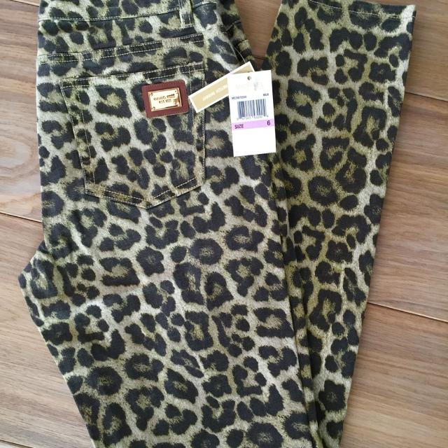 517189edd275 Find more Bnwt Savannah Leopard Print Skinny Jeans/ Michael Kors ...