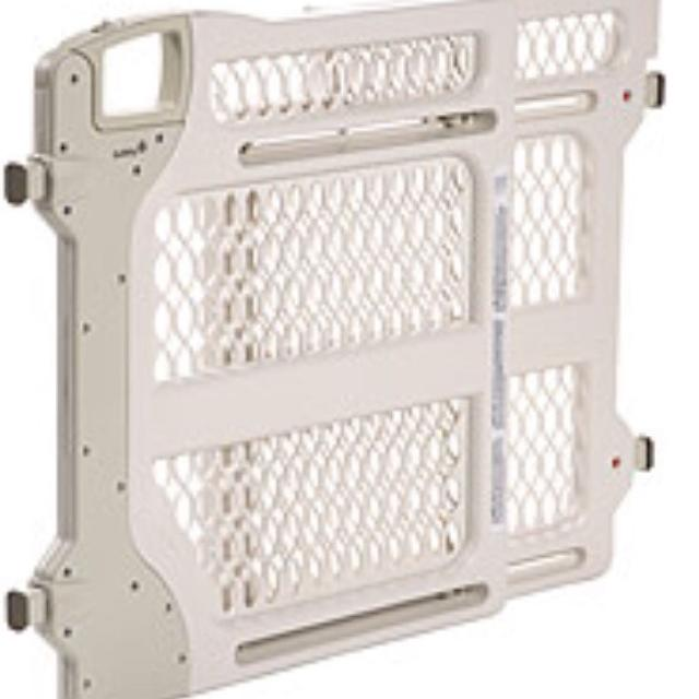 Find More Safety First Baby Gate Model 42060 Must Meet In White