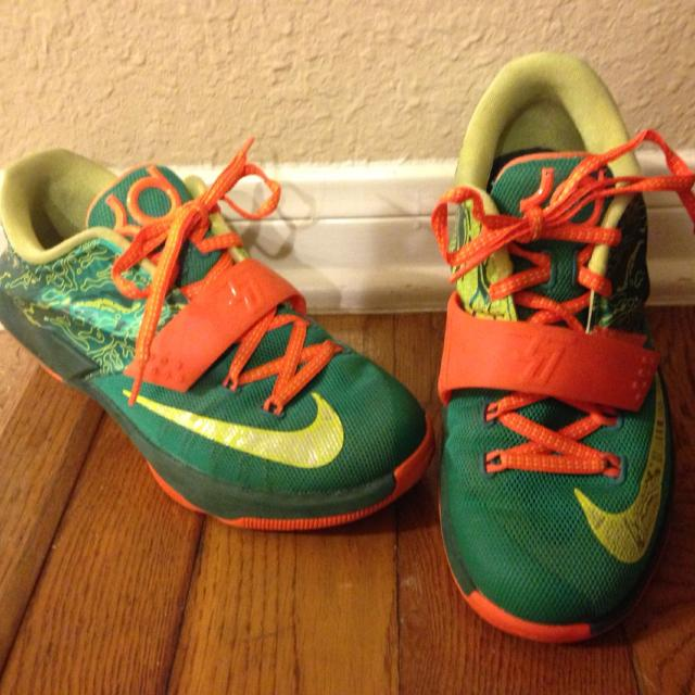 Nike KD 7 Weatherman Boys Grade School Shoes Size 3.5Y excellent condition