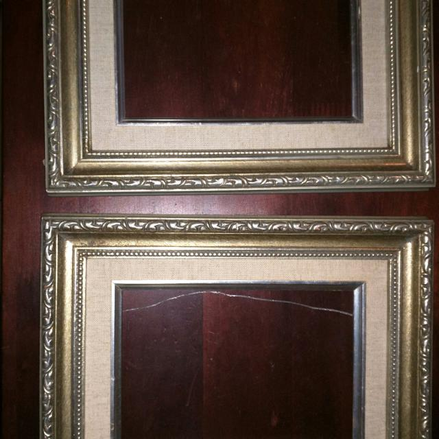 2 5x7 detailed frames made in Thailand