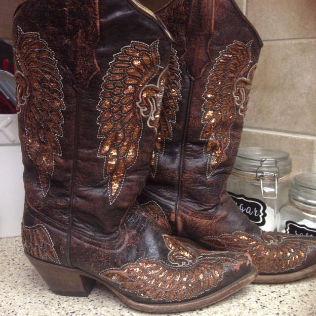 bae3c8928be Size 7 1/2 Corral boots from Cavenders. Gently used! Bought them for 267$.