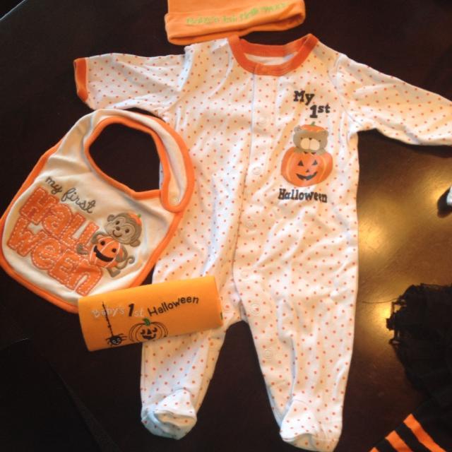 babys first halloween includes bib hat sleeper and onsie size newborn
