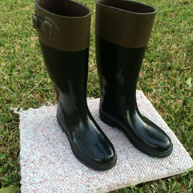 ffa1afd5a0d Ladies Size 6 Rain Boots by Capelli