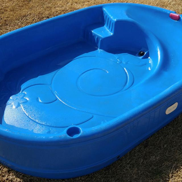 Little Tikes Wet & Dry First Slide with Slip Mat For those hot summer days when kids want water play, you now have a great solution! Just attach the 10 foot vinyl mat to this Little Tikes Wet & Dry First Slide and it now becomes a water slide!