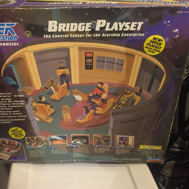 Star Trek Bridge this has been gently played with and the box has seen  better days  But still a great collectors item
