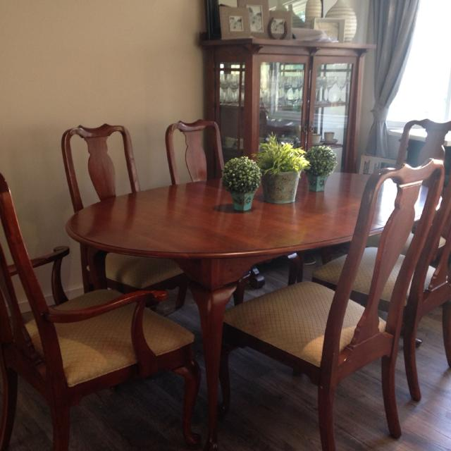 Euc Ethan Allen Solid Queen Anne Dr Table And Chairs Seats 6 10 Comfortably Or Up To 12