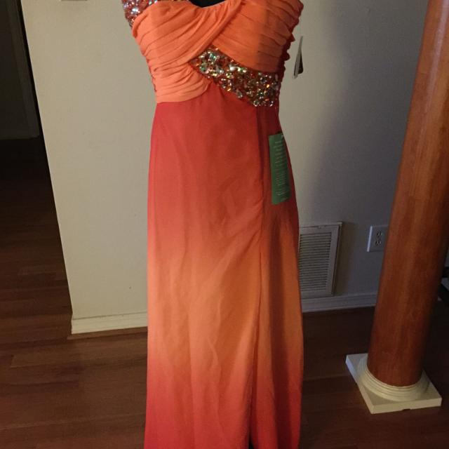 Best Price Drop New Prom Dress For Sale In Mobile Alabama For 2019