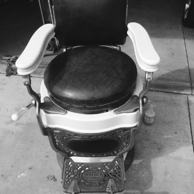 Old Barber Chairs >> Antique Barber Chair