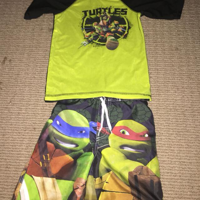 9a41d39a0547a Find more Boys Size 6/7 Teenage Mutant Ninja Turtles Swim Shorts And ...