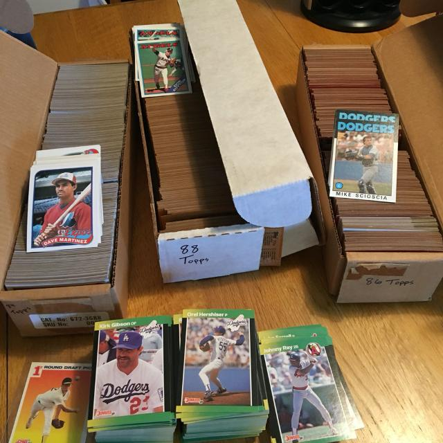 Topps 86 88 And 89 Baseball Cards Plus A Stack Of Donruss Baseball Cards