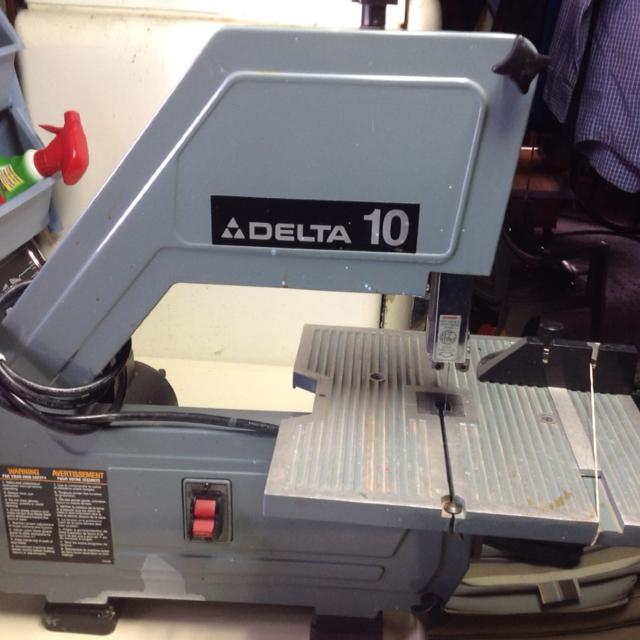 Find more delta 10 scrollingband saw uses 56 inch blades great delta 10 scrollingband saw uses 56 inch blades great shape greentooth Image collections