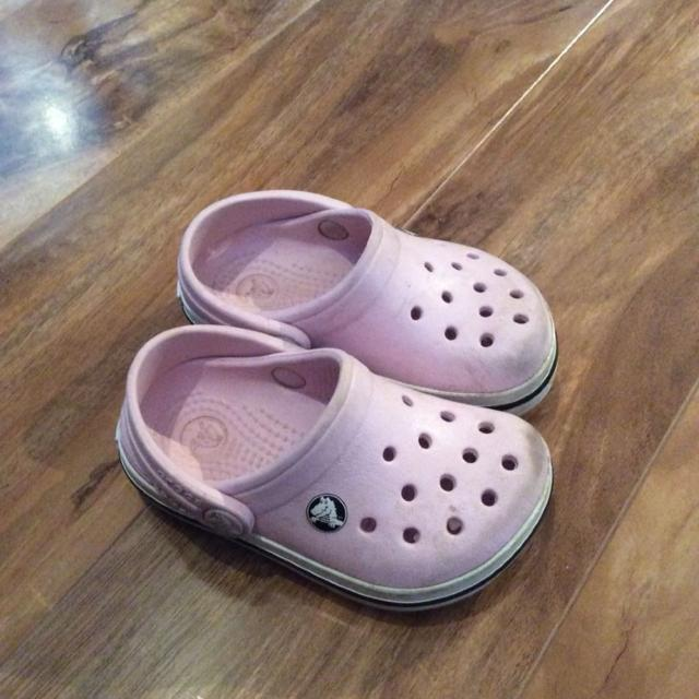 plus récent 4e5b1 1859e Crocs fille grandeur bébé 4-5
