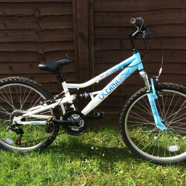 Halfords Apollo Oceana Girls Bike
