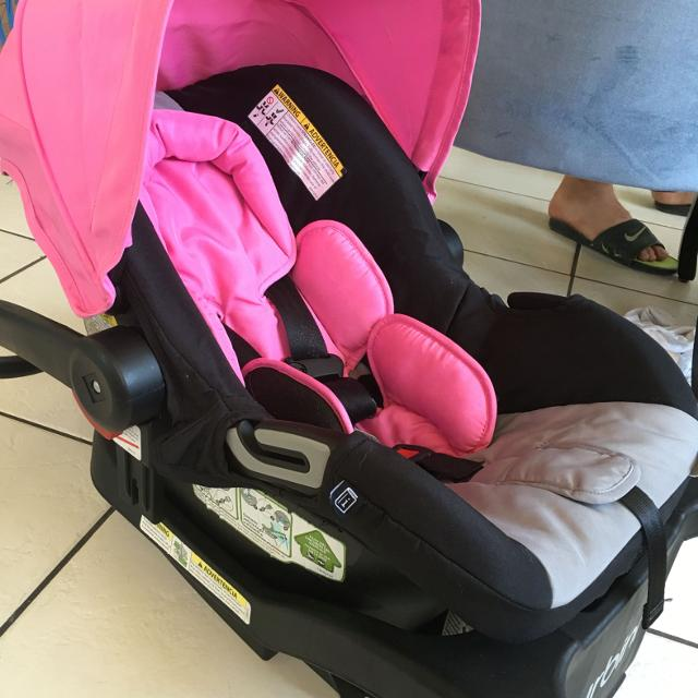 Used Urbini Car Seat With Base Came A Stroller But Im Keeping