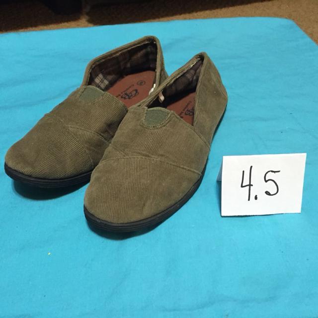 5fa36f9d13dc86 Best Carolina Bay Corduroy Light Brown Shoes 4.5 Girls for sale in Lake  Geneva