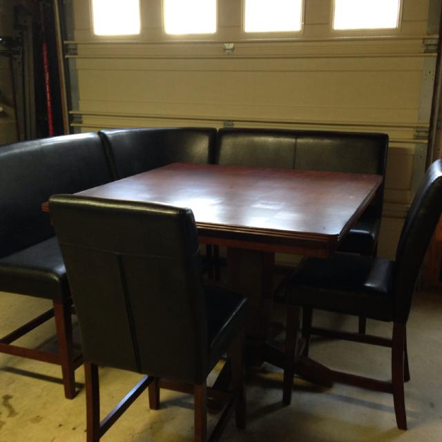Bar Height 48x48 Table With Corner Bench Seat 2 Straight Seats And Chairs Custom Gl Cut For Top Excellent Condition