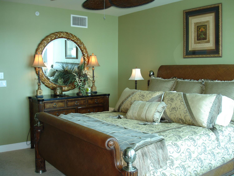 Find More Thomasville Ernest Hemingway King Bedroom Set