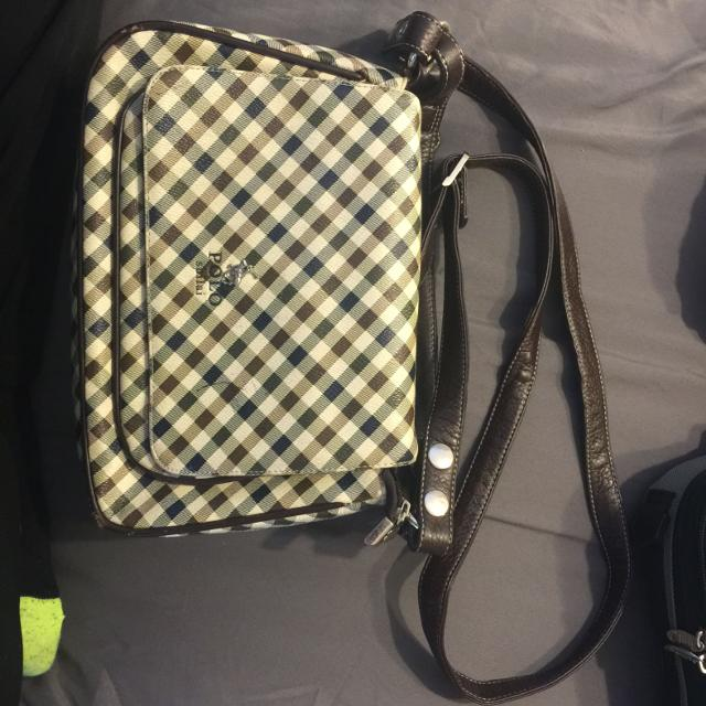 fcd3127d5d5 Find more Polo Shilai Cross Body Purse. for sale at up to 90% off
