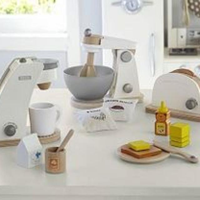 Looking For These Pottery Barn Kids Play Kitchen Accessories In Oshawa Ontario 2019