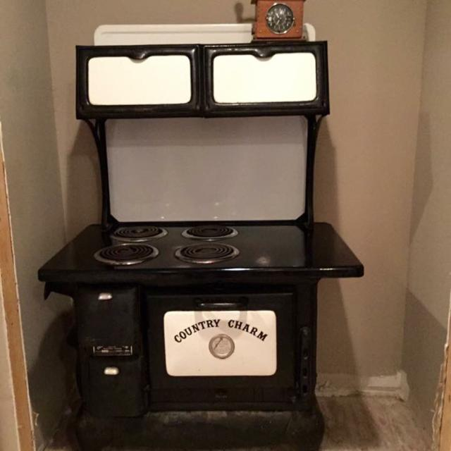 Best 1964 Cast Iron Country Charm Stove