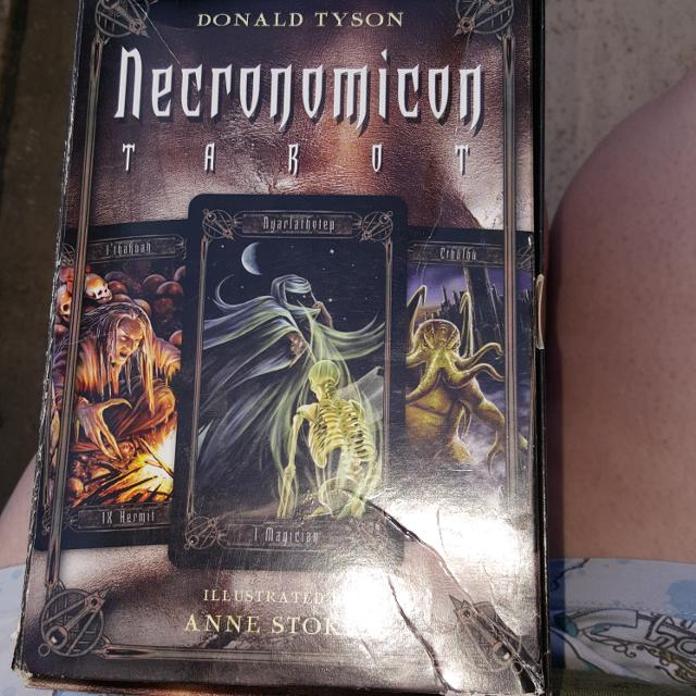 H P lovecraft Necronomicon tarot set