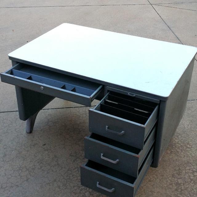 find more vintage steelcase metal school teacher 39 s desk for sale at up to 90 off deland fl. Black Bedroom Furniture Sets. Home Design Ideas
