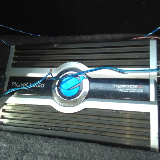 1600wt planet audio class d amp two 10' p1 Rockford subs