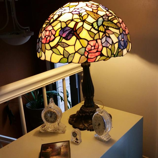 Tiffany Style Hummingbird Lamp