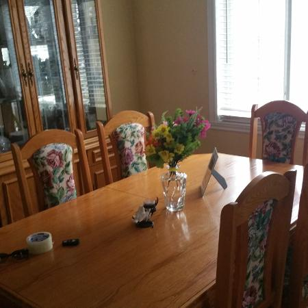 Oak kitchen table with buffet and... for sale  Canada