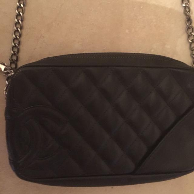 67f8a7d31bee57 Find more Authentic Chanel Cross Body 500$ Plus Dust Bag for sale at ...