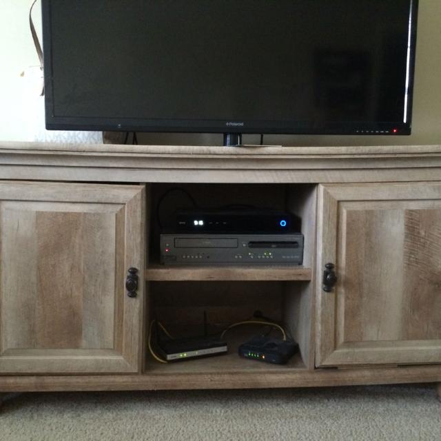 Beautiful Light Wood Colored Tv Stand And Matching End Table Bought At For 600
