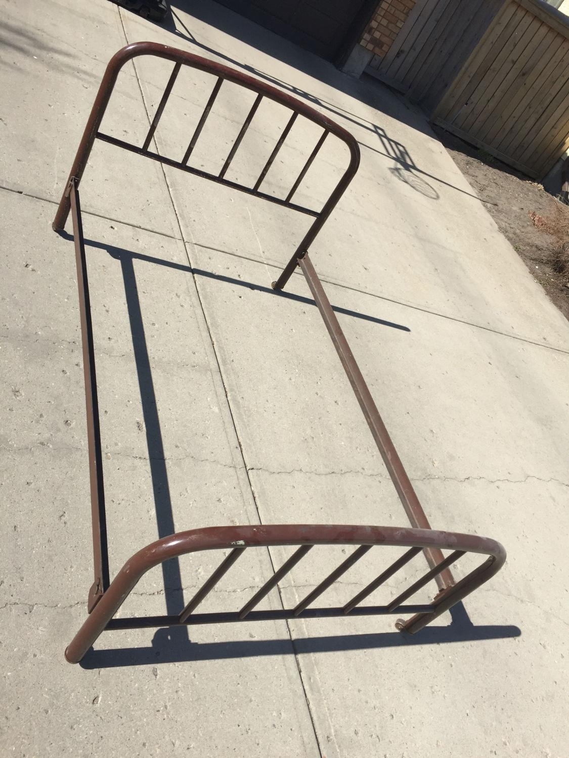 Find More Vintage Antique Metal Simmons Bed Frame For Sale At Up
