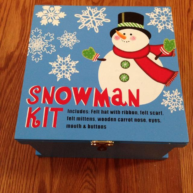 Awesome Snowman Kit In Nice Substantial Wooden Box Felt Hat Scarf Gloves And Wood Nose Eyes Mouth And Button Parts Guc