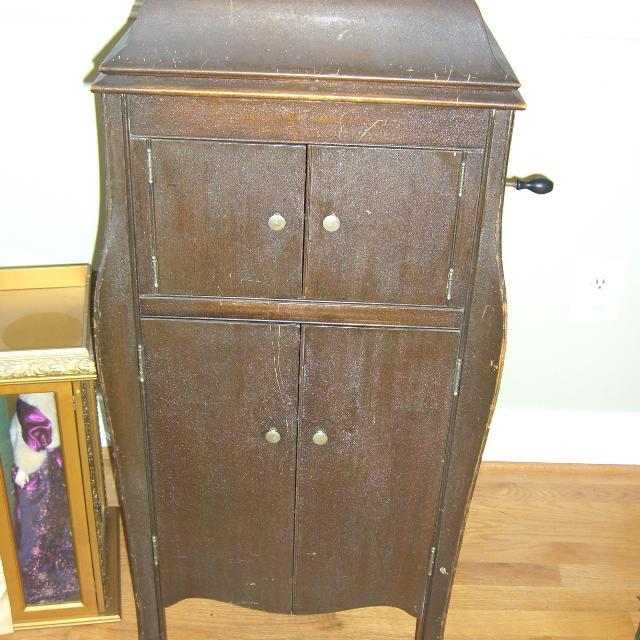 Antique Victrola Value Best 2000 Antique Decor Ideas