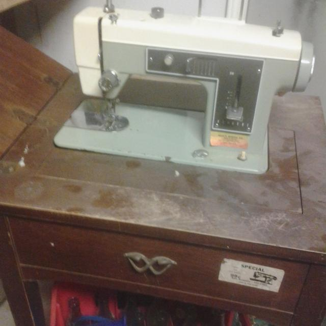 Best Sears Kenmore Sewing Machine Model 40 For Sale In Braun Road Inspiration Sears Kenmore Sewing Machine 5186