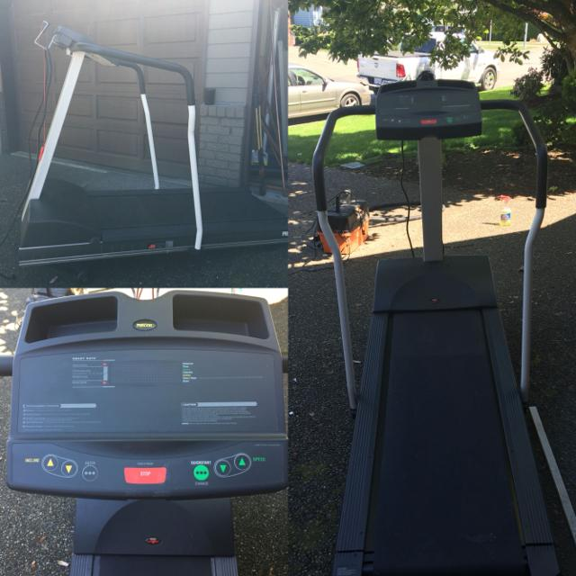 PRECOR USA- M9 21i TREADMILL