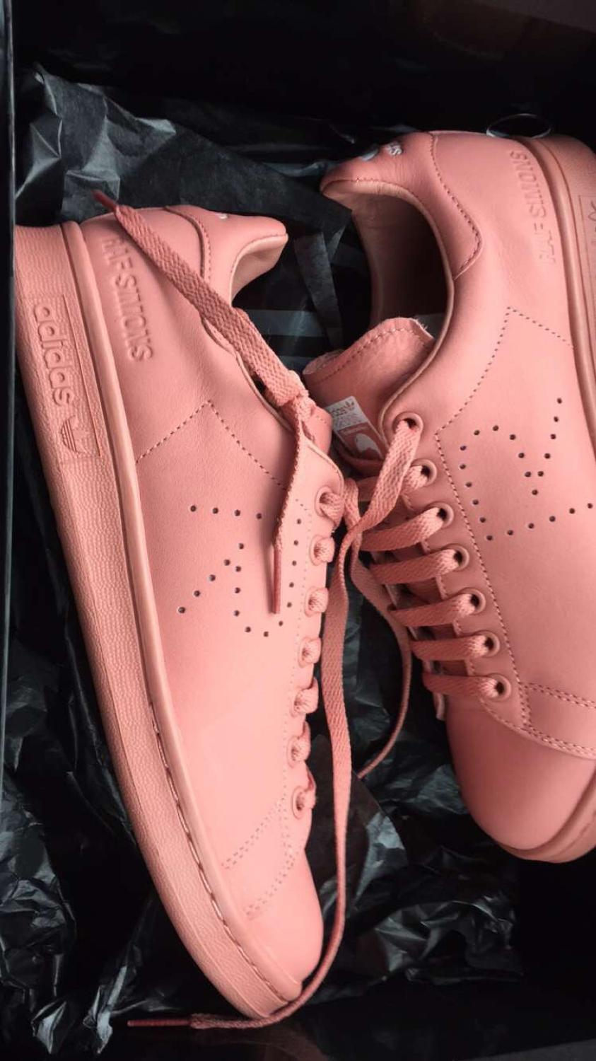 differently 902b5 f5b7e Raf Simons Stan Smith ash pink